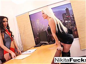 Nikita's lesbian office bang