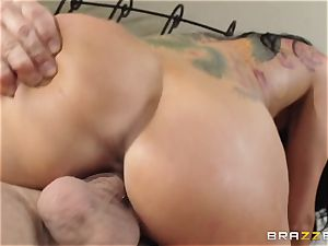 Romi Rain is randy and just wants to boink