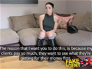 FakeAgentUK Agent gives diminutive web webcam student pop-shot