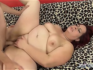 red Headed plumper gets banged and facial cumshot
