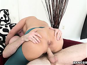 Phoenix Marie rails her raw snatch on this firm sausage