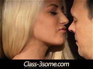 beauty Erica Fontes and super hot blonde Yenna orgasming prick