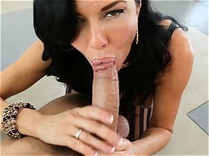 muddy mummy Veronica Avluv takes it in her donk making her unload