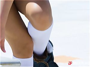 A fast outdoor boning for a cashless rebel nubile August Ames