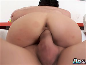 cuckold hubby witnesses His puny wife Lina Arian Getting humped