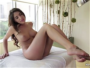 Oily session and inner rubdown for August Ames
