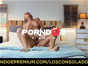 LOS CONSOLADORES - sexy blondes tough 4 way
