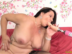 Mature Leylani schlong pounded by a Machine