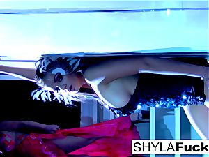 huge-chested Nika conforms Shyla's instructions