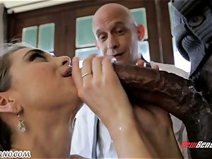 father looks like his daughter-in-law Riley Reid becomes an adult and gets unloading