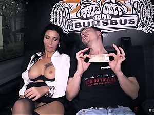 culos Bus – sizzling German bus ravage with dirty mature gal