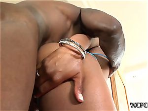sumptuous black superslut gets her labia ate and banged