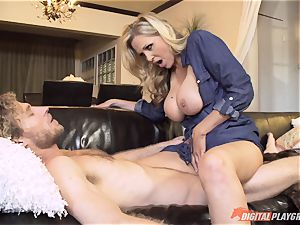 Julia Ann fuckbox packed on mothers day
