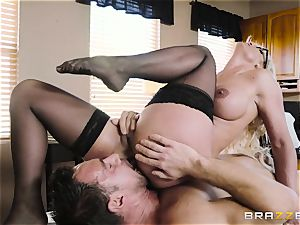Johnny Castle porking jaw-dropping blondie Phoenix Marie