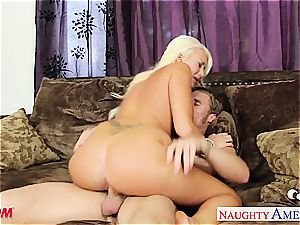super-sexy Summer Brielle Takes his fuckpole between her cootchie lips.