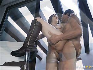 Aidra Fox boinked in her rear entrance