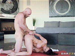 Kendra lust beaten after sizzling massage