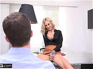 manager babe Sarah Jessie boinks her secretary on the job
