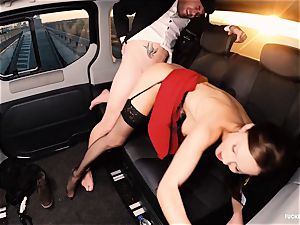 pummeled IN TRAFFIC - british Tina Kay smashed in the car