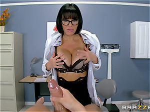 Veronica Avluv makes sure this red-hot patient is completely satisfied
