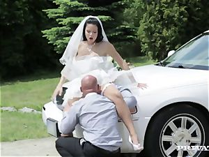 sloppy bride takes her chauffeur's spear before her wedding