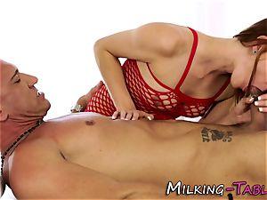 Pretty masseur blowing