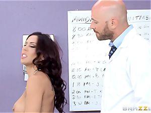 puss liking Rachel Starr gets a taste of yam-sized rigid dick