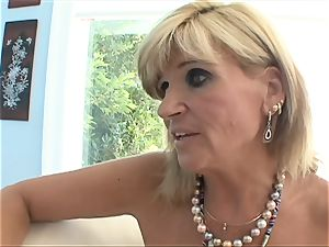 Stepmom pokes all youthfull light-haired holes with her tongue