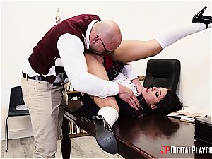 insatiable college girl is worth to be disciplined for her misbehavior