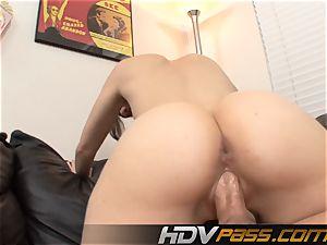 HDVPass insatiable bi-atch Sasha blows stiffy and tears up!